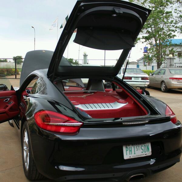 duncan mighty's Porsche