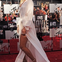mtv-movie-awards-2014-rihanna