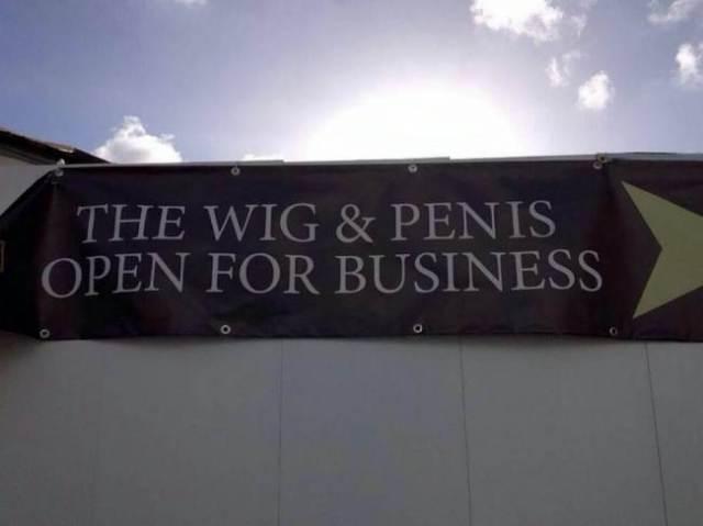 pub sign in Turo